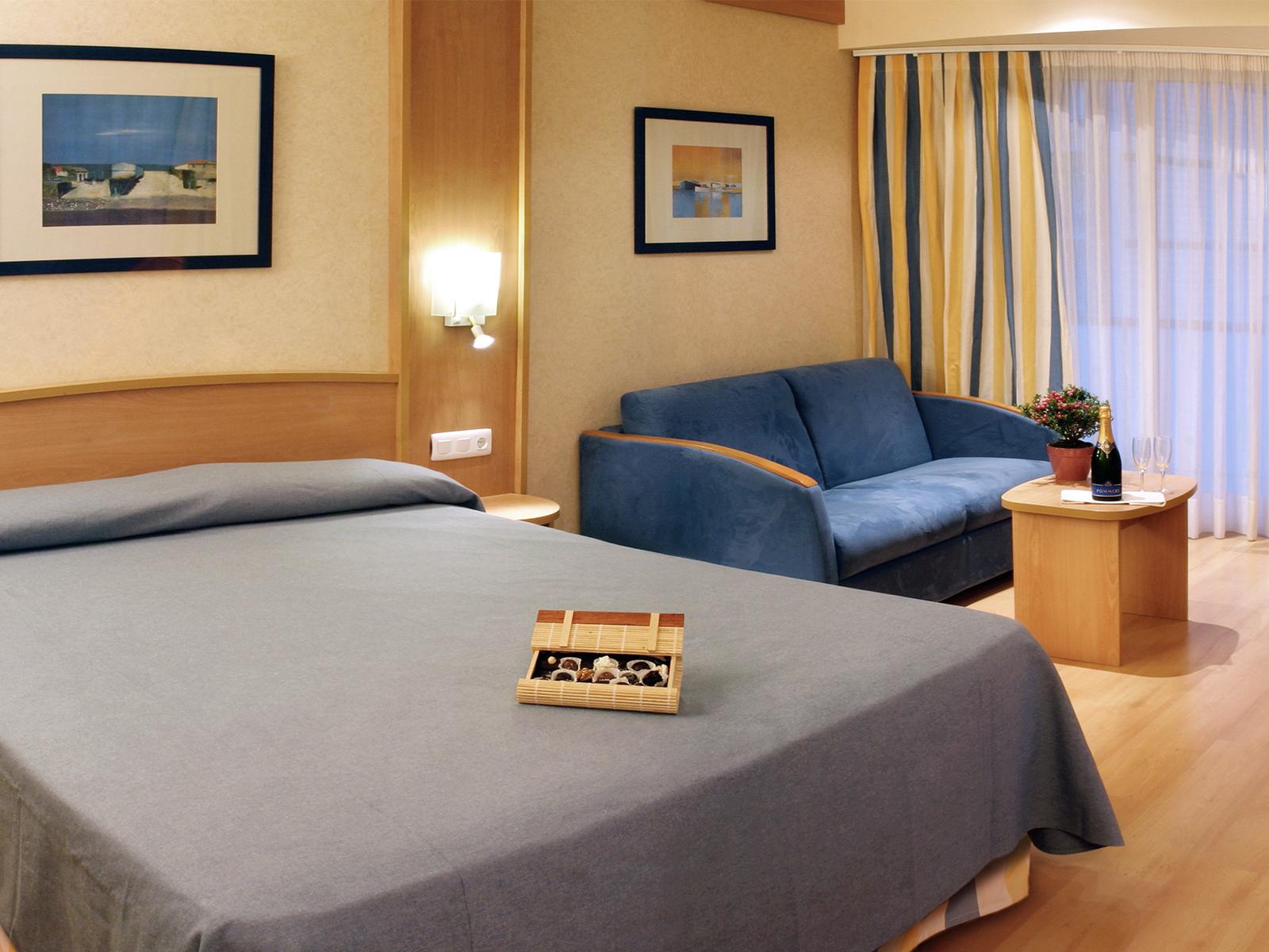 Puente de la diada del 09 09 al 11 09 hotel guitart for Habitacion para adultos completa barata